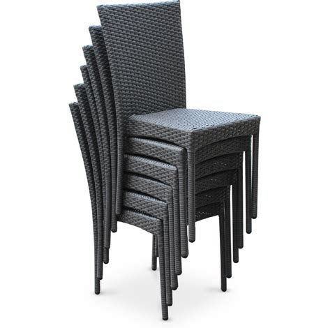 table et chaise en resine tressee