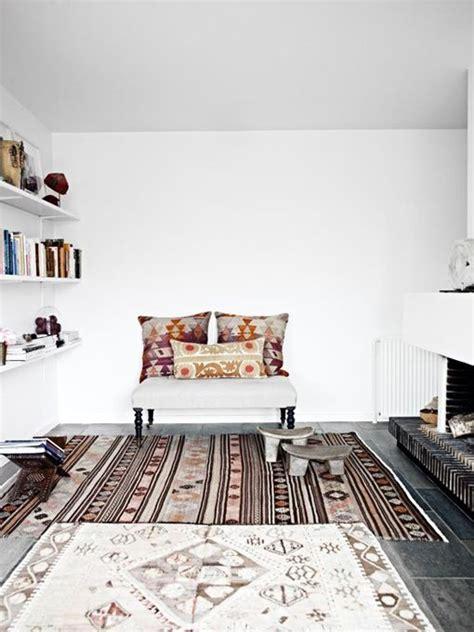hoe voorkom je dat je vloerkleed schuift vloerkleden inrichting huis