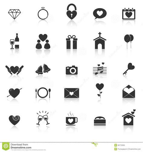 les icones de mariage avec reflechissent sur le fond blanc
