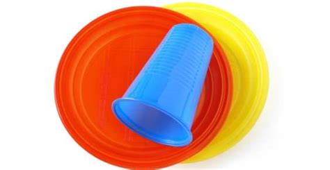bicchieri plastica monouso raccolta differenziata dal 1 176 maggio piatti e bicchieri