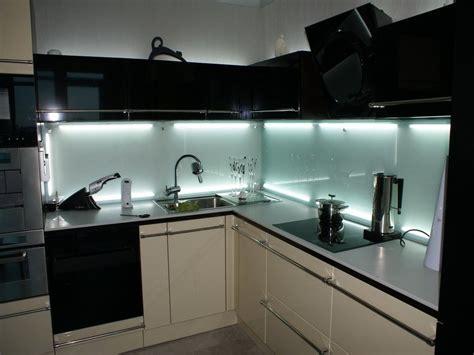 Glass Backsplash For Kitchens by Modern Kitchens Glass Backsplash Design