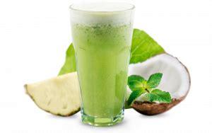 Suco detox com água de coco - Mercado Bom Sucesso