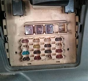 Fuse Diagram For A 2003 Echo : circuit fuse scheme on toyota yaris 1999 2004 echo ~ A.2002-acura-tl-radio.info Haus und Dekorationen