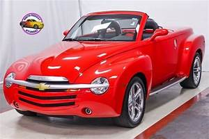2005 Chevrolet Ssr 6 0l V8 Chrome Wheels Carpeted Bed W