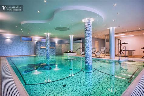 villa con piscina interna abruzzo vendita villa di pregio sul mare