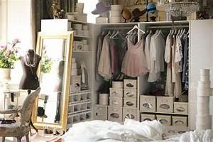 Petite Penderie Ikea : welcome to my wonderland je veux un dressing ~ Teatrodelosmanantiales.com Idées de Décoration