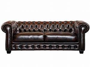 Canapé Baroque Pas Cher : canap et fauteuil chesterfield 100 cuir de buffle brenton ~ Teatrodelosmanantiales.com Idées de Décoration