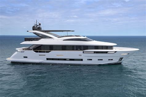 dl yachts dreamline   sale  italy