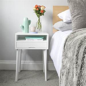 How, To, Style, Your, Small, Bedside, Table, U2013, Urbansize