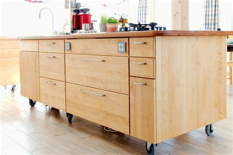 island design kitchen kücheninsel massivholz auf rollen pfister möbelwerkstatt
