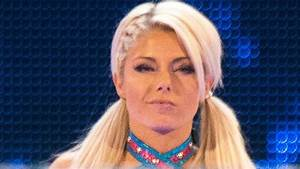 Alexa Bliss Disses Ronda Rousey At WWE Live Event (Video ...