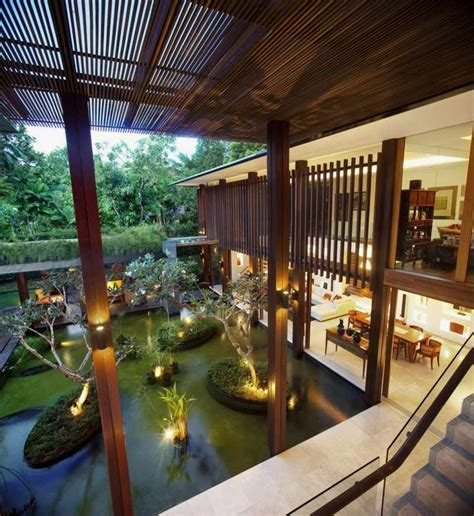big house with beautiful ponds as cooling elements the