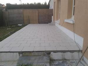 Terrasse carrelee sur dalle beton for Pose de carrelage terrasse