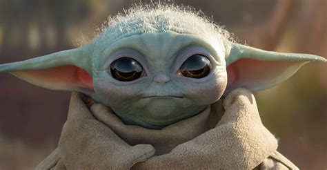 The first life-size Baby Yoda has arrived from Sideshow ...