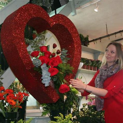 valentine heart vm display shelves  polystyrene