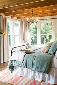 Magnolia Fixer Upper : 25 best ideas about magnolia homes on pinterest magnolia hgtv farm style neutral bathrooms ~ Orissabook.com Haus und Dekorationen