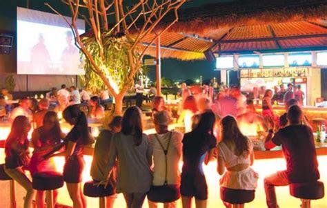 rekomendasi tempat wisata malam  pulau bali