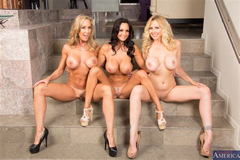 MILF attack. Brandi Love, Ava Addams and Julia Ann : Ifyouhadtopickone