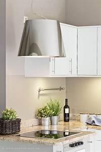 Alte Küche Neue Fronten : moderner dunstabzug und neue fronten f r die kuechenmoebel ~ Sanjose-hotels-ca.com Haus und Dekorationen