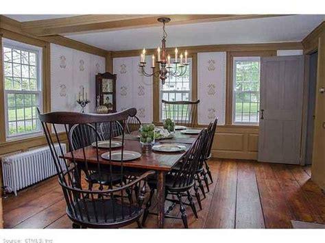 colonial dining rooms images  pinterest prim decor primitive decor  cottage style decor