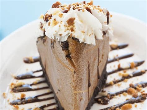 This peanut butter pie recipe is the best chocolate peanut butter pie ever. Chocolate Peanut Butter Ice Cream Pie | Recipe | Cream pie, Chocolate peanut butter