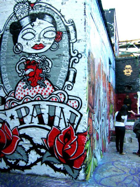 hq    nyc graffiti landmark top design