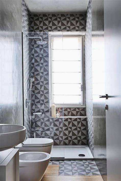 Rollo Für Dusche by Dusche Vor Fenster Badezimmer Einbauen Installieren