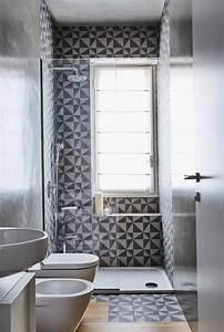 Rollos Für Badezimmer : dusche vor fenster badezimmer einbauen installieren ~ A.2002-acura-tl-radio.info Haus und Dekorationen