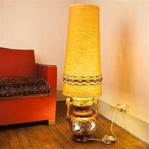 Lampe De Sol : lampe de sol vintage pied en c ramique et abat jour tissu ~ Dode.kayakingforconservation.com Idées de Décoration