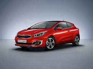 Kia Cee D : 2016 kia cee 39 d brings subtle visual upgrades new engines and sporty gt line autoevolution ~ Medecine-chirurgie-esthetiques.com Avis de Voitures