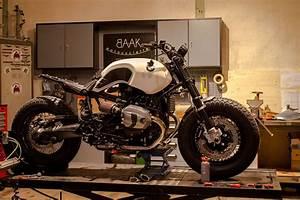 Bmw Nine T Prix : bmw ninet bobber la petite derni re de chez baak motocyclettes 4h10 ~ Medecine-chirurgie-esthetiques.com Avis de Voitures