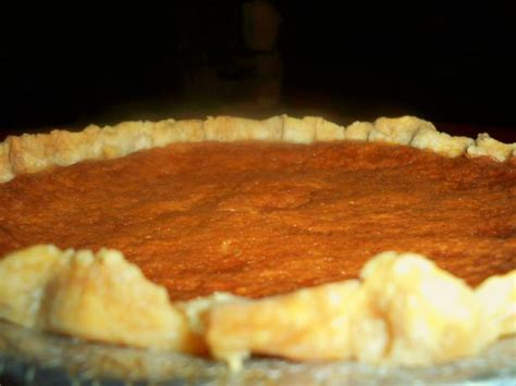 This size allows ample room to line the pie plate, with enough overhang to form a generous border. Easy Oil Pie Crust Recipe - Food.com