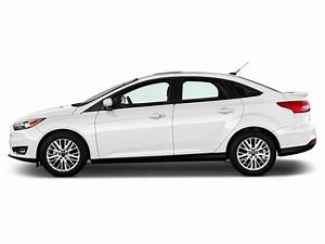 Ford Focus Titanium 2017 : image 2017 ford focus titanium sedan side exterior view size 1024 x 768 type gif posted on ~ Medecine-chirurgie-esthetiques.com Avis de Voitures