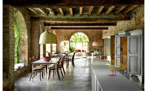 country house  italy combines modern simplicity