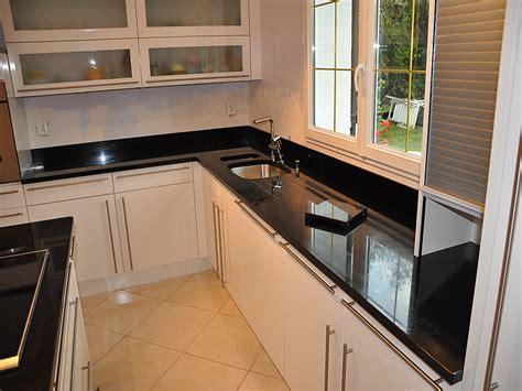 element bas de cuisine pas cher cuisine avec plaque de cuisson en angle 10 noir
