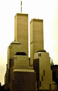 New york twin towers of the wtc 1368 1362 feet 110 for Twin towers how many floors