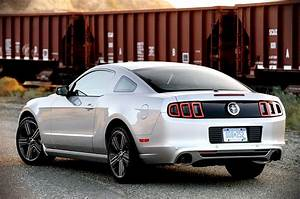 2014 ford mustang v6 performance package