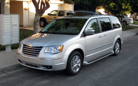 2009 Chrysler Town And Country by Drive 2009 Chrysler Town And Country Limited Photo