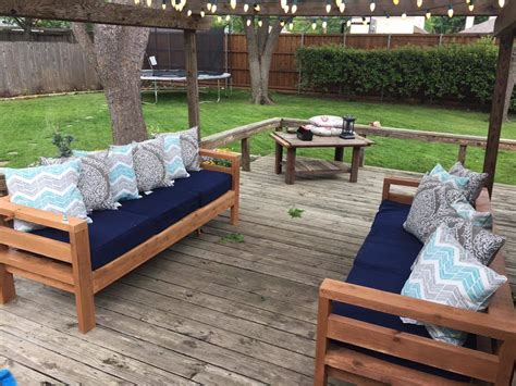 ana white outdoor  sofas diy projects