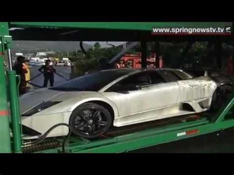 kecelakaan truck pengangkut mobil mewah