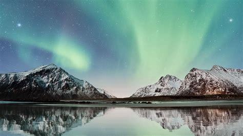 wallpaper  northern lights mountains