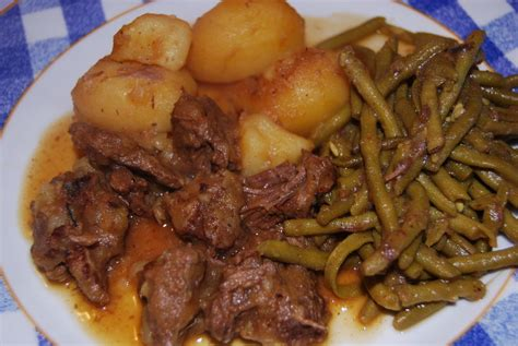 cuisiner la viande ragoût de chèvre humm a vos fourchettes