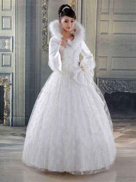 marry on a merry season with a christmas wedding dress
