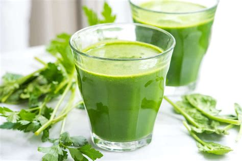 naturally sweet green detox juice recipe