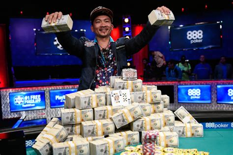 world series of poker final table wsop signs new 4 year deal scraps november nine format