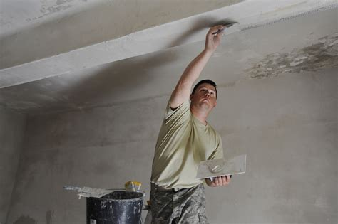 How To Repair Plaster Walls And Ceilings Theteenlineorg