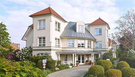Pflegeheime Pinneberg  Altenheime, Pflegeheime Und