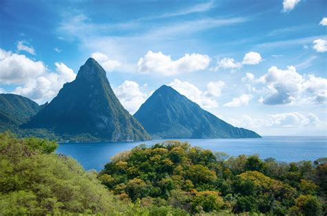 St Lucia Wants To Develop Tourism By Quadrupling Airport Tax