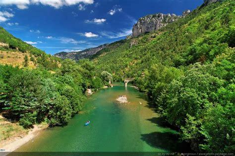 bureau suisse canoë dans les gorges du tarn photo paysage com le