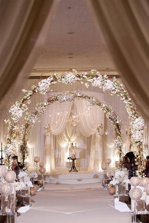 25 romantic winter wedding aisle d 233 cor ideas the